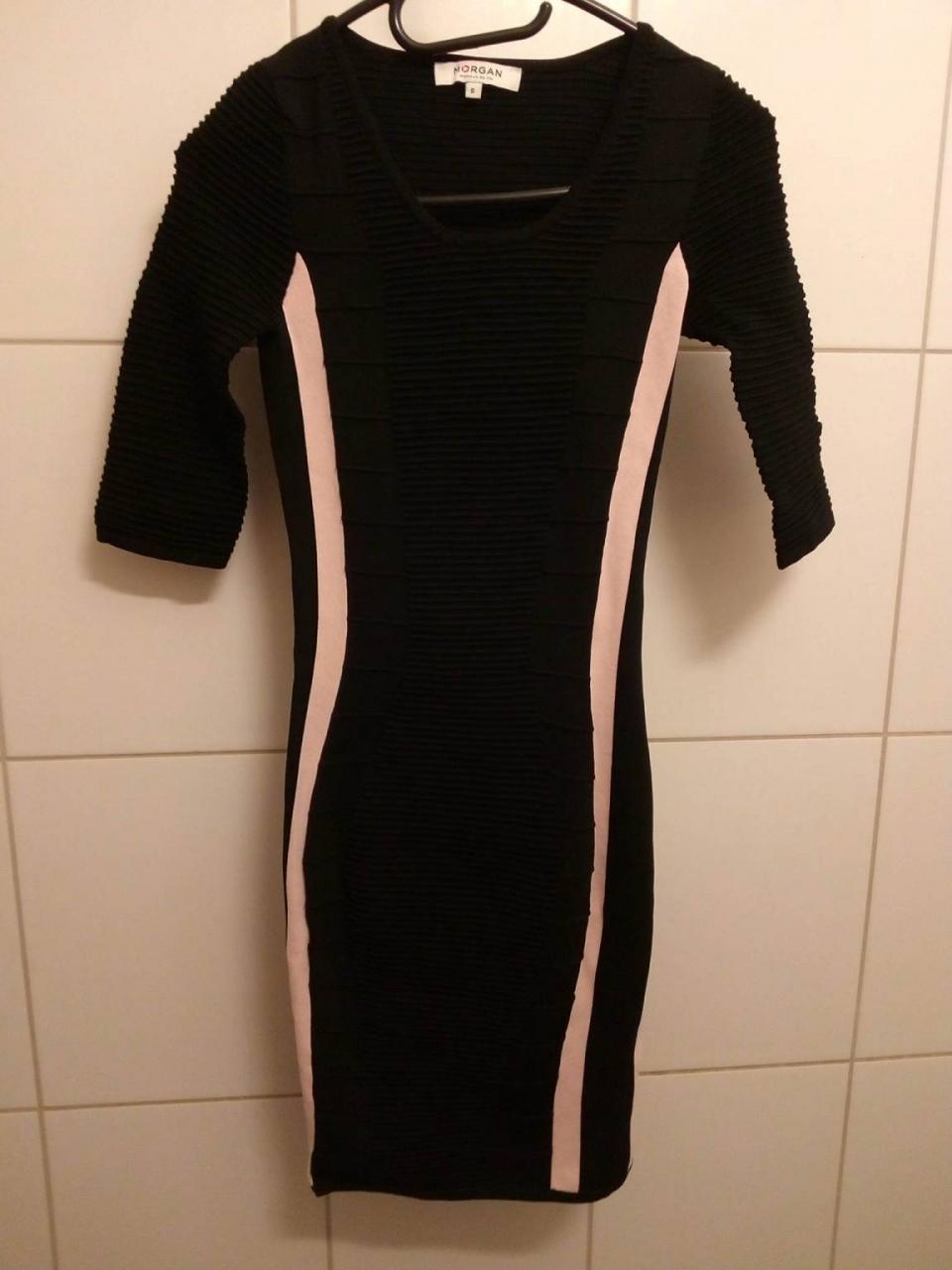 Robes-Tres-jolie-robe-pour-soiree-taille-s,-de-chez-Morg2